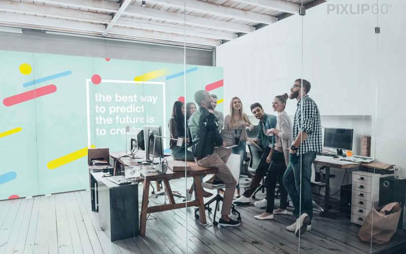 PIXLIP GO als Raumteiler im Büro