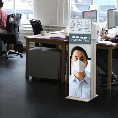 Infoständer mit Desinfektionsspender Büro