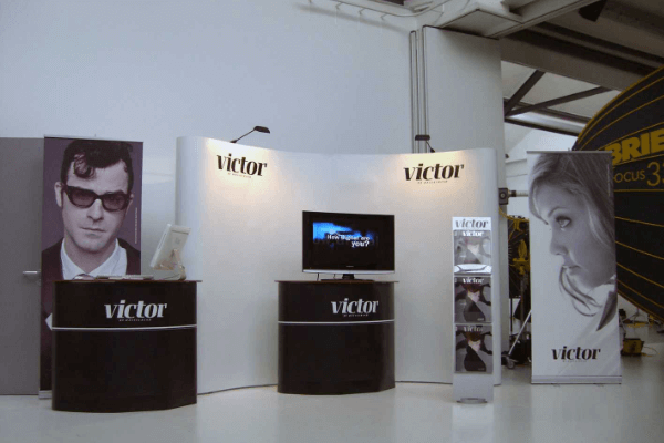 Expand PodiumCase Victor